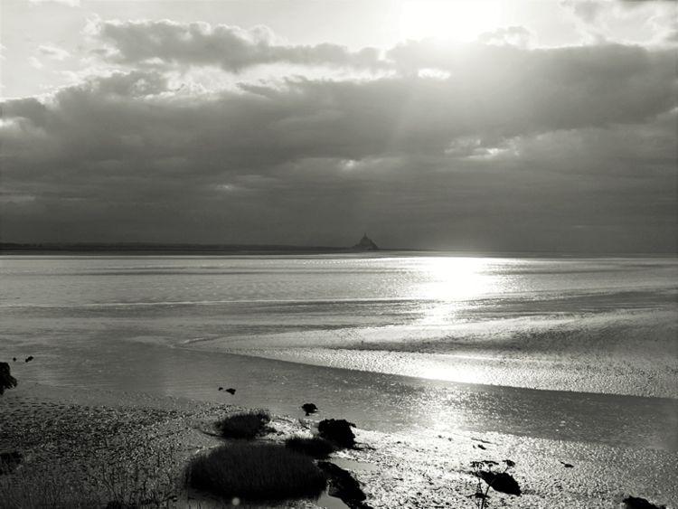 Berühmt: Mont St. Michel und bretonisches Wetter.