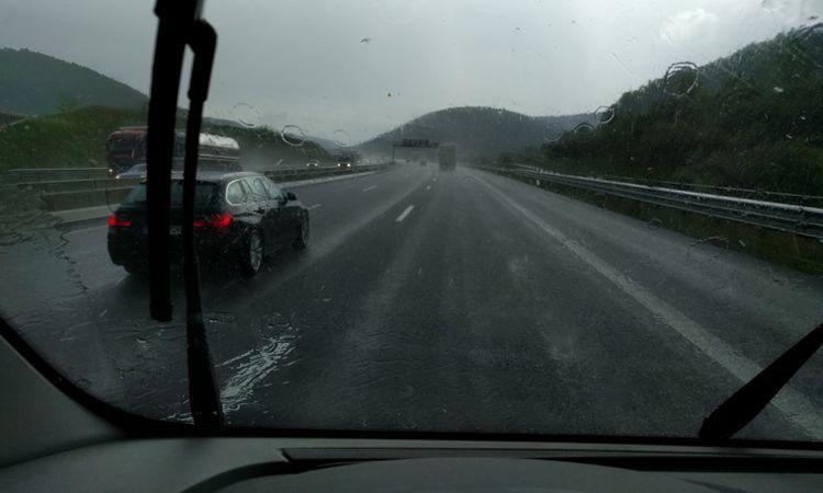 Bestes deutsches Wetter - Autobahn mit 20km/h