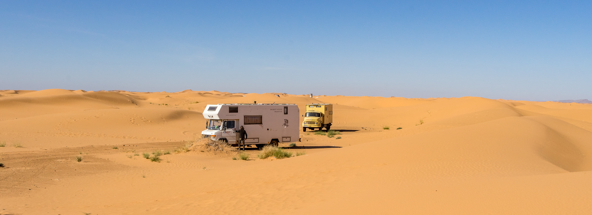 Marokko Teil 4: Erg Chebbi – Motorkamele im Wüstensand