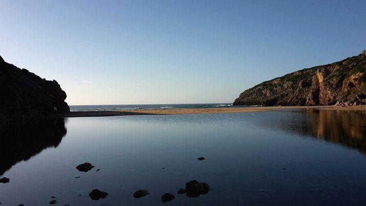 Ein Strand mit vorgelagerter Mini-Lagune.