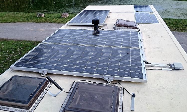 amumot-solar