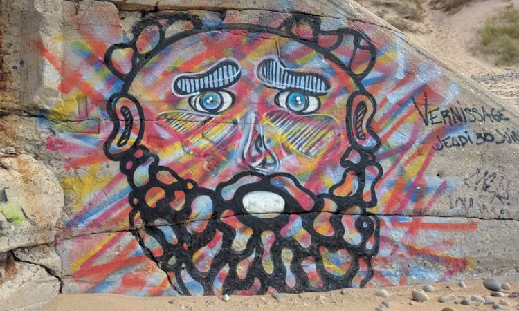 Bunkergraffitikunst am Strand