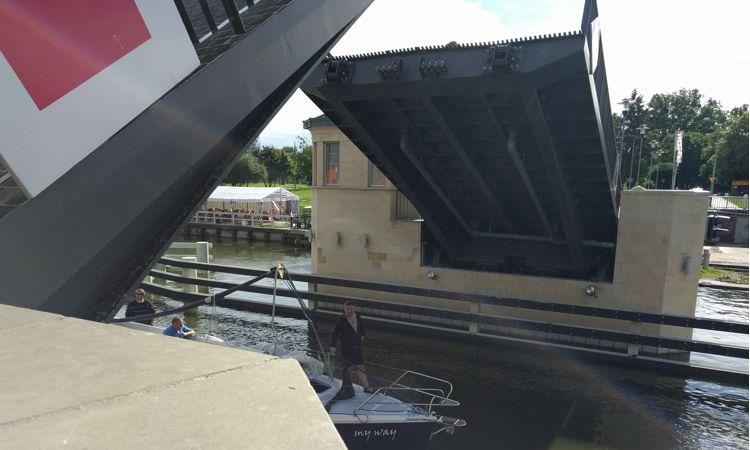 Aufklappbrücke in Elblag / Oberlandkanal