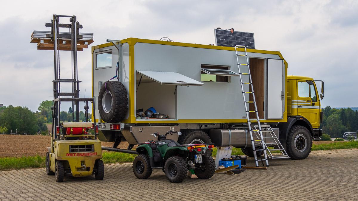 Großes Wohnmobil, viel Platz für die Solaranlage