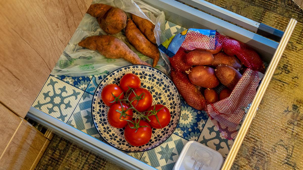 Im Wohnmobil Nahrungsmittel richtig lagern