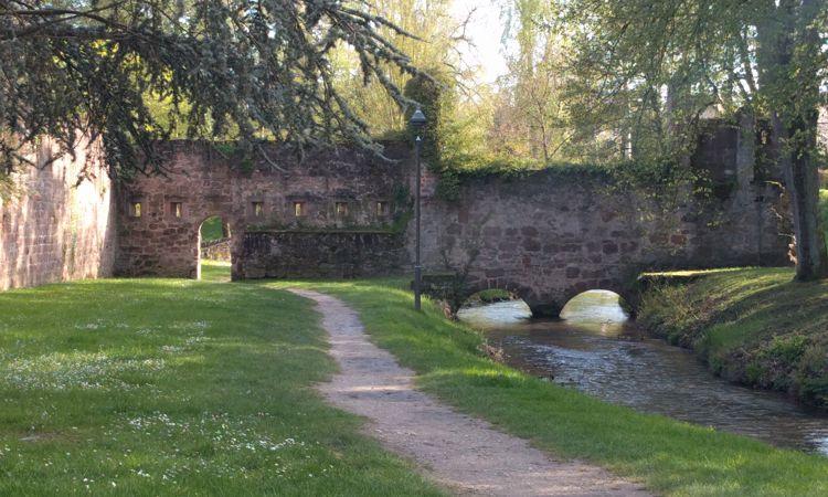 Teil der Stadtmauer von Wissembourg.