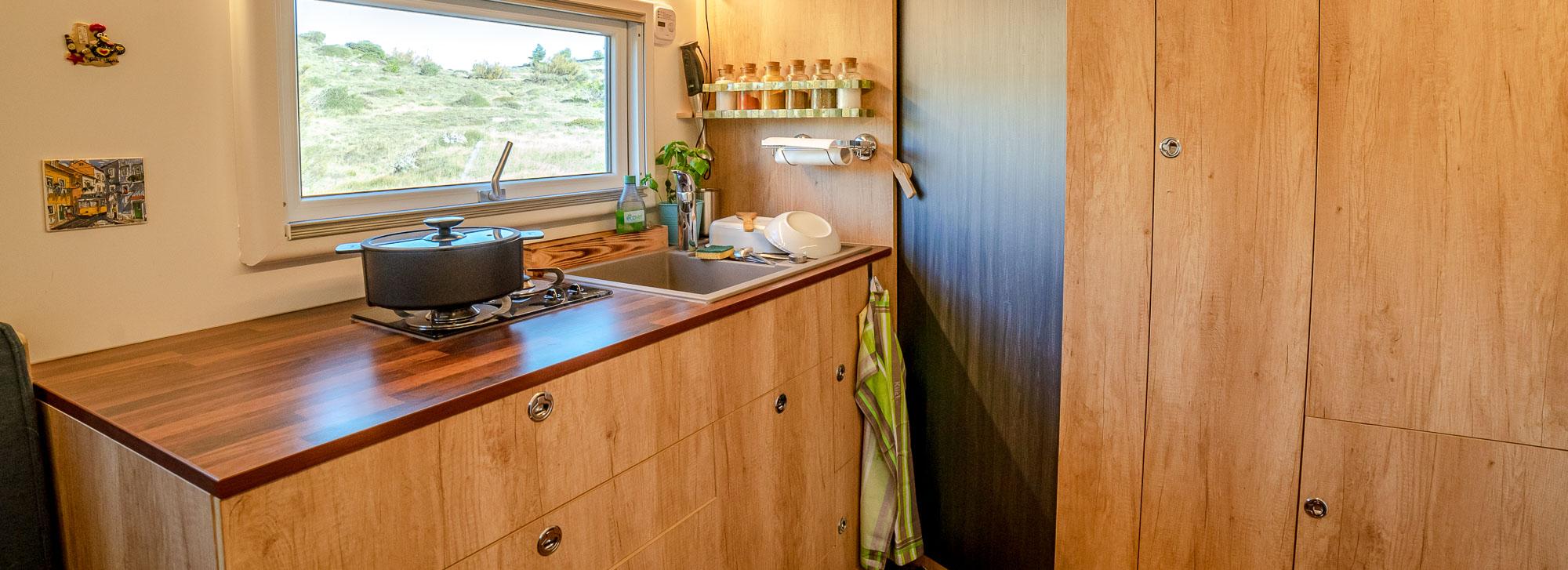 Unsere (ziemlich perfekte) Wohnmobil Küche
