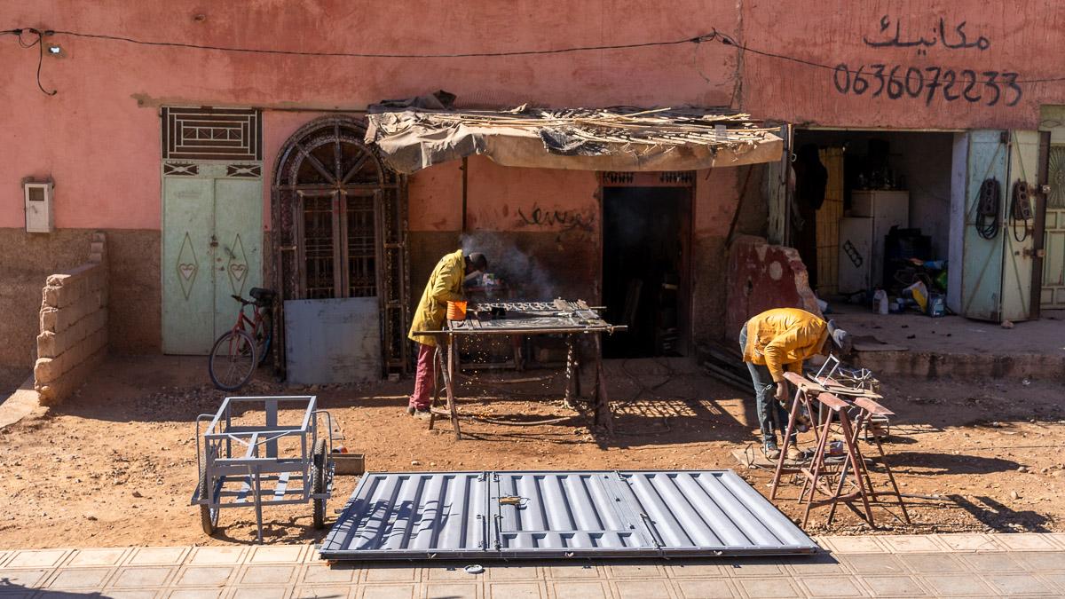 typische Werkstatt in Marokko